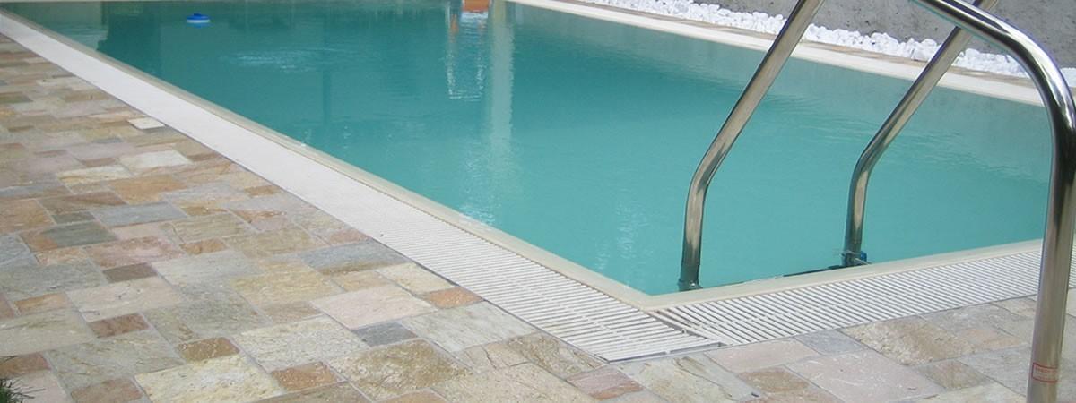 Prodotti chimici per la tua piscina
